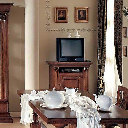 TV skrinka AVZ217