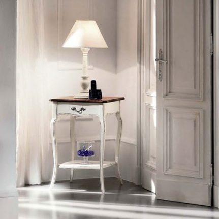 Dvojfarebný stolík pod lampu BEH618/B